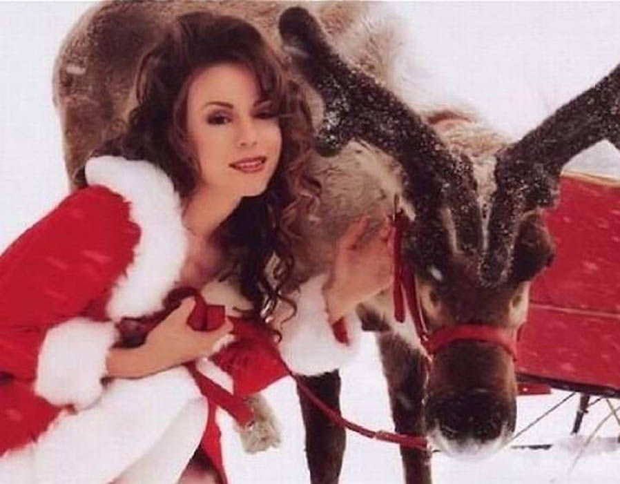 QUIZ: Which Christmas song describes your love life? - Status Online